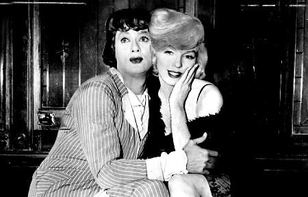 Tony Curtis y Marilyn Monroe, Con Faldas y a lo Loco